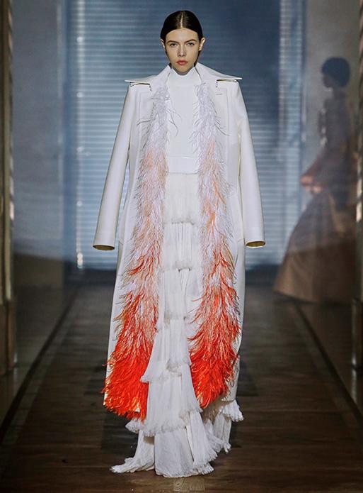 chimène d crochet broderie et plumasserie à orléans loiret haute couture savoir-faire